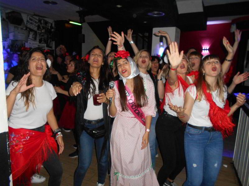 fiesta de chicas en despedida en Madrid